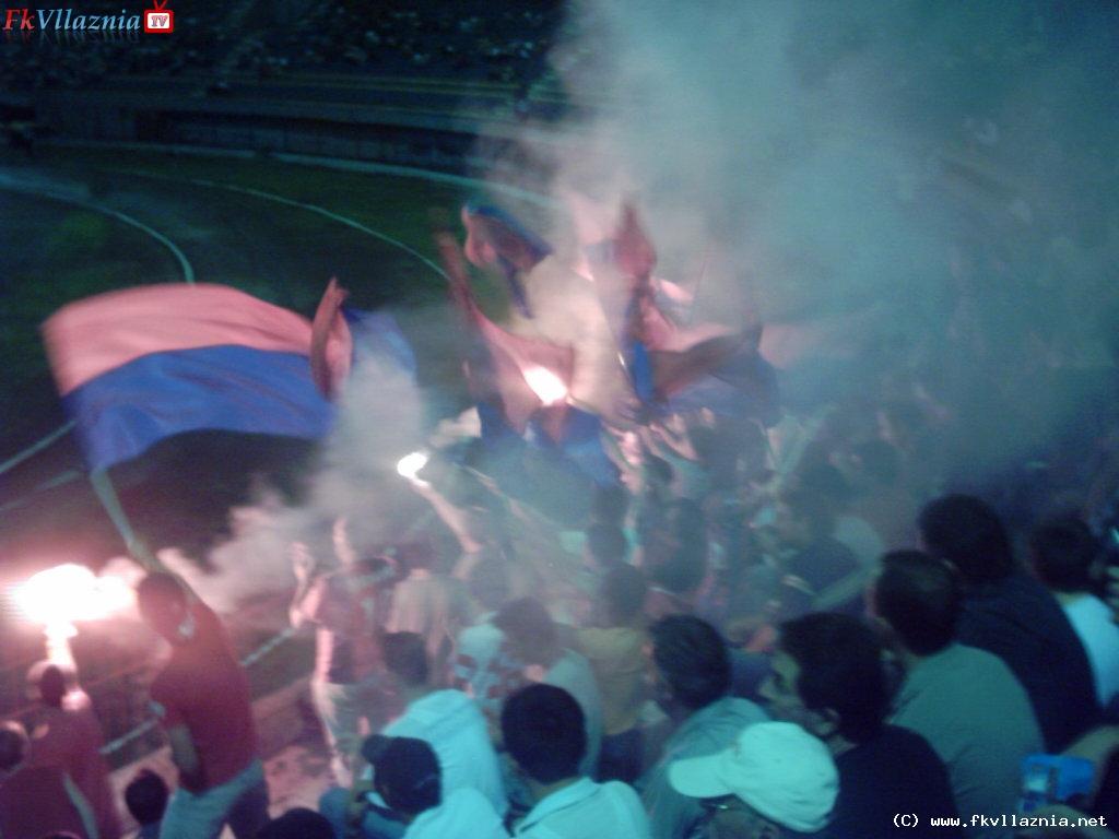 Tifozet ne  Javen e I-re : Vllaznia - Luftetari 1 - 0