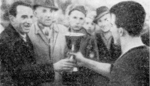 Anton Mazreku duke i dorezu kupen Boriçit